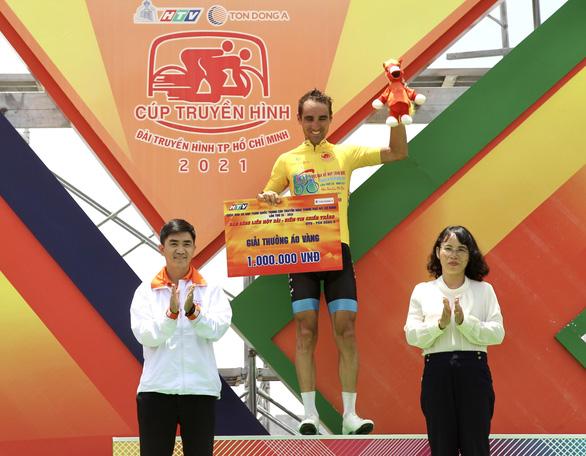 Tấn Hoài rút thắng hai ngoại binh ở chặng đua gần 200km - Ảnh 3.