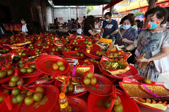 Thái Lan lập kỷ lục ca nhiễm mới, Campuchia thêm 334 ca bất chấp lệnh giới nghiêm - Ảnh 1.