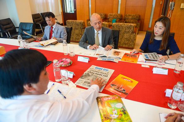 Tổng lãnh sự Hàn Quốc Kang Myong-il thăm báo Tuổi Trẻ - Ảnh 3.