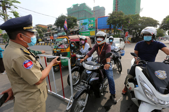Thái Lan lập kỷ lục ca nhiễm mới, Campuchia thêm 334 ca bất chấp lệnh giới nghiêm - Ảnh 3.