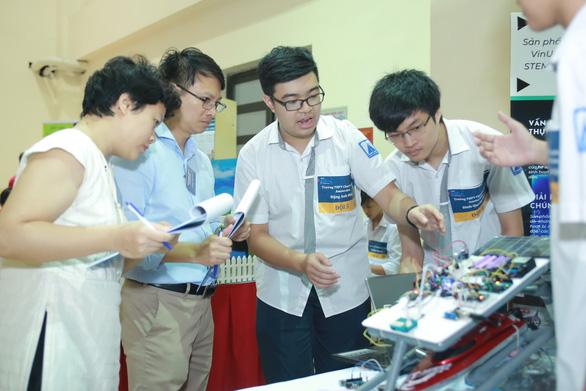Khóa học về Robotics cho học sinh THPT - Ảnh 1.