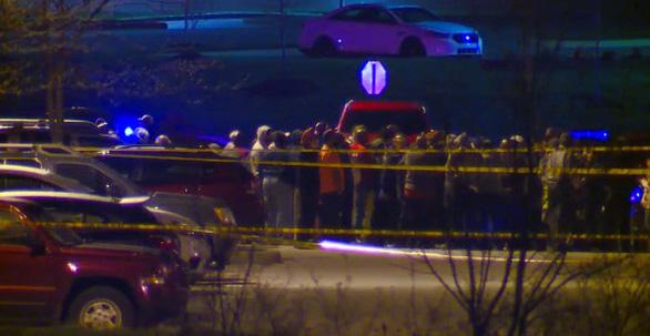 Xả súng ở Mỹ, ít nhất 8 người chết, 60 người bị thương - Ảnh 1.