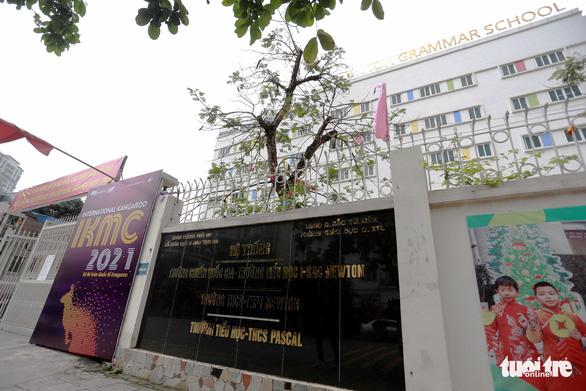 Nhiều học sinh ở Hà Nội đau bụng, buồn ói sau bữa ăn trưa - Ảnh 1.