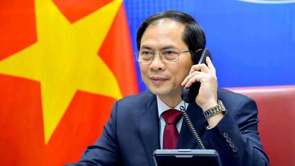 Việt Nam đề nghị Trung Quốc giải quyết bất đồng Biển Đông - Ảnh 1.