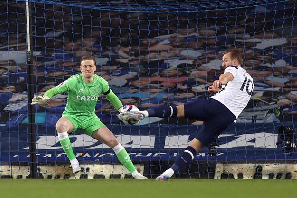 Níu chân nhau, Tottenham và Everton cùng xa top 4 - Ảnh 2.