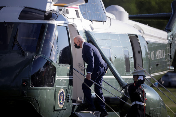 Bị phản đối vì giữ ngưỡng tị nạn giống ông Trump, ông Biden vội sửa sai - Ảnh 1.