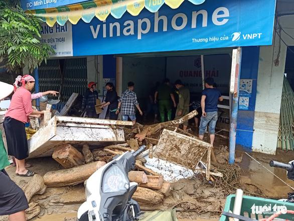 Lũ ống trong đêm ở Lào Cai, ít nhất 2 người chết, 1 người mất tích - Ảnh 3.