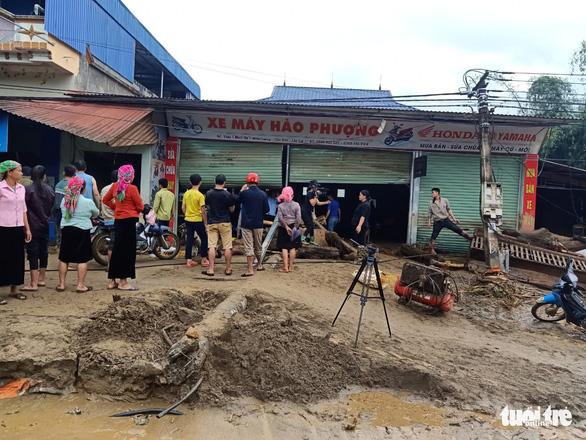 Lũ ống trong đêm ở Lào Cai, ít nhất 2 người chết, 1 người mất tích - Ảnh 9.