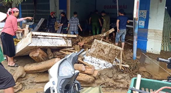 Lũ ống ở Lào Cai: 5 người ngủ trong lán, chỉ có 2 người chạy thoát - Ảnh 2.