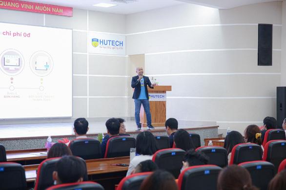 Sinh viên học kinh doanh online chuẩn mực với CEO Tiki, Momo - Ảnh 1.