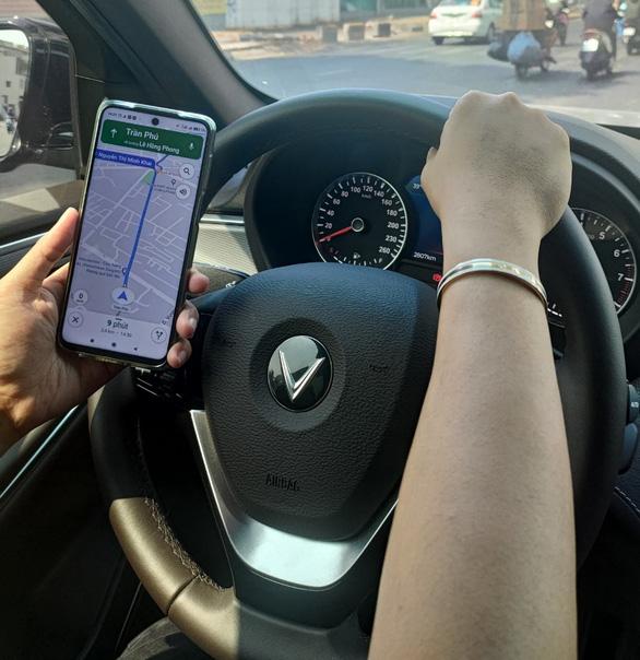 Biến xế yêu thành 'Smartcar' với HUD dẫn đường VIETMAP mới - Ảnh 1.