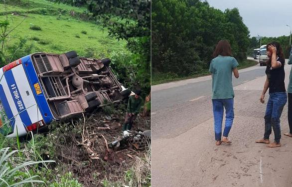 Quảng Ninh: Xe chở công nhân lao xuống vực vì tránh xe máy - Ảnh 2.
