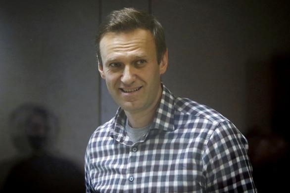 Bác sĩ nói Alexei Navalny có nguy cơ ngưng tim 'bất cứ lúc nào', ông Biden lên án Nga - Ảnh 1.