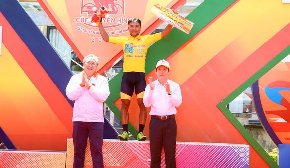 Nguyễn Trường Tài lật đổ cựu tuyển thủ xe đạp U23 Pháp - Ảnh 3.