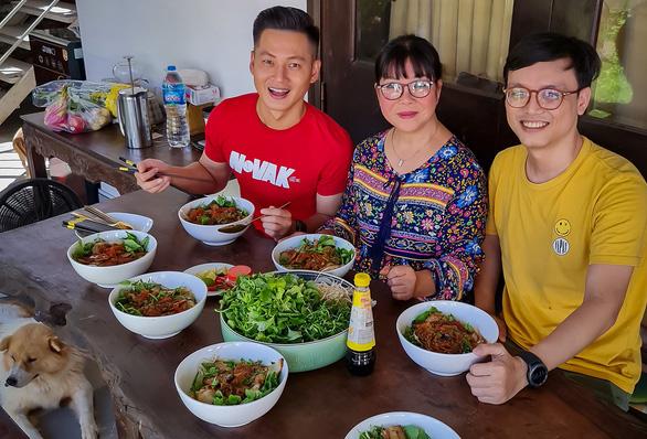 Nhớ Hội An, thèm món ăn tuyệt chiêu của ca sĩ Ánh Tuyết - Ảnh 1.
