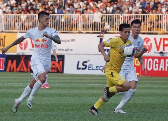 HLV CLB Hà Nội: Thắng liên tục, tinh thần cầu thủ HAGL thăng hoa là tất yếu - Ảnh 2.