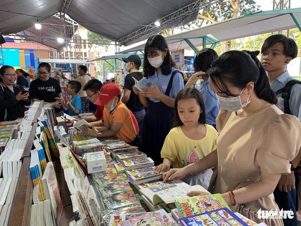 Ngày sách Việt Nam năm 2021 nuôi dưỡng tình yêu sách và văn hóa đọc - Ảnh 1.