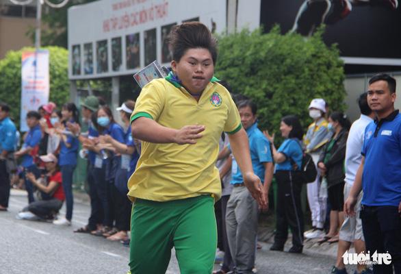 400 người khuyết tật năng động đua tranh thể thao vui khỏe, yêu thương - Ảnh 5.