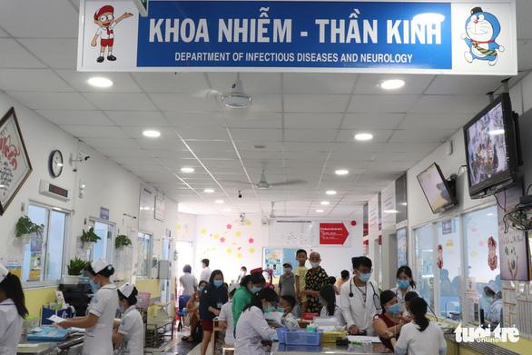 Vì sao TP.HCM tăng số ca bệnh tay chân miệng độ nặng? - Ảnh 1.