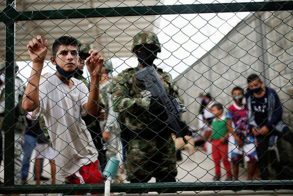 Ông Biden hứa đón 60.000 người tị nạn, nay bị chỉ trích vì giảm còn 15.000 - Ảnh 1.