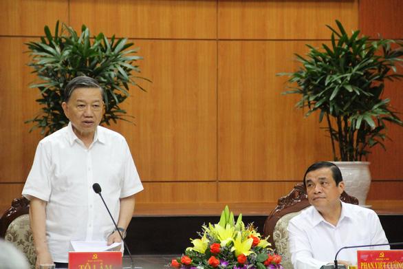 Đại tướng Tô Lâm làm việc với Quảng Nam về bầu cử: Không để phát sinh điểm nóng - Ảnh 1.