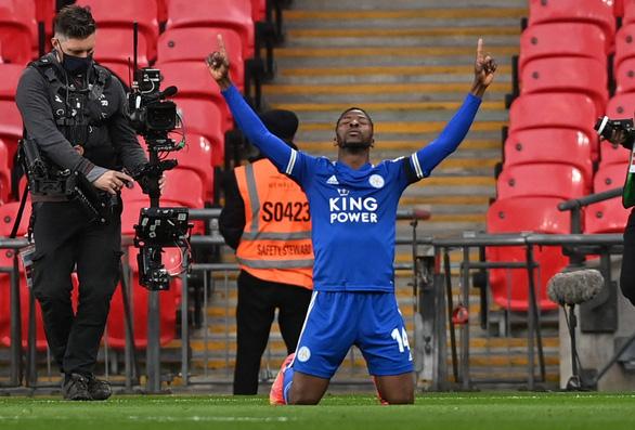 Iheanacho đưa Leicester vào chung kết Cúp FA - Ảnh 1.