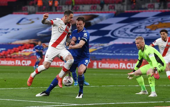 Iheanacho đưa Leicester vào chung kết Cúp FA - Ảnh 2.
