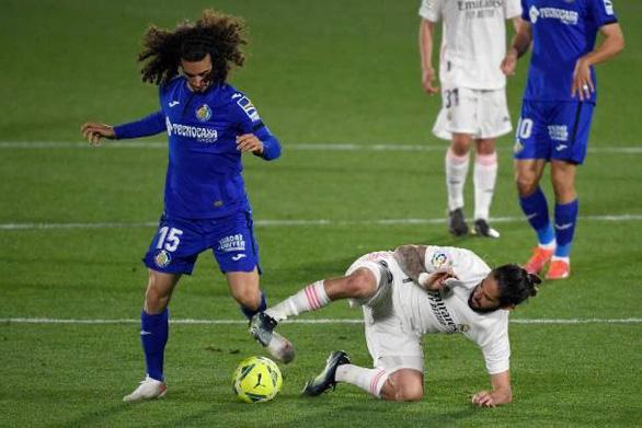 Real Madrid may mắn chia điểm trước Getafe - Ảnh 2.