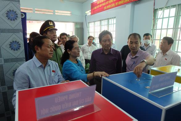 Lập phương án không tập trung quá đông người ở phòng bỏ phiếu ngày bầu cử - Ảnh 1.