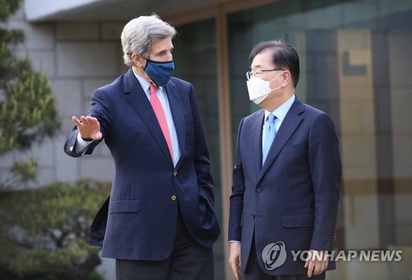 Mỹ - Hàn vênh quan điểm trong vụ xả nước thải hạt nhân Fukushima - Ảnh 1.
