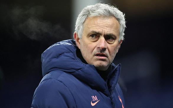 Tottenham sa thải HLV Mourinho - Ảnh 1.