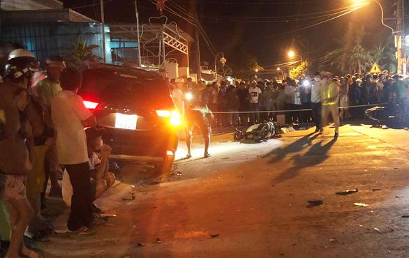 Khởi tố tài xế uống rượu rồi lái xe tông nhiều xe máy khiến 2 người chết - Ảnh 1.