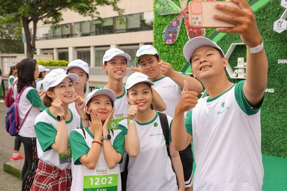 Nutrilite lan tỏa thông điệp sức khỏe ý nghĩa trong ngày hội chạy bộ - Ảnh 2.