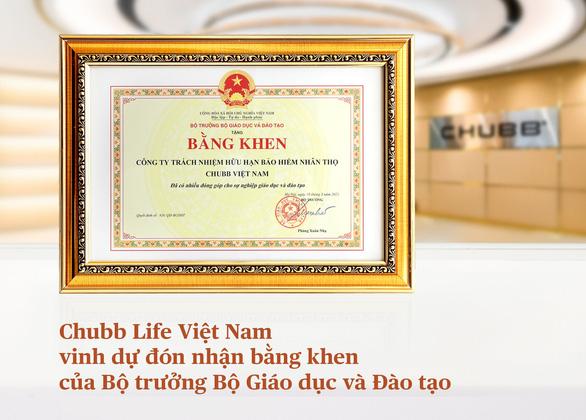 Bộ Giáo dục và Đào tạo trao tặng Bằng khen cho Chubb Life Việt Nam - Ảnh 1.