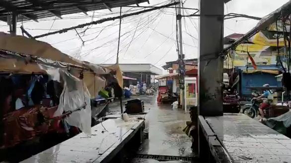 Dự báo bão Surigae suy yếu, Philippines vẫn sơ tán hơn 68.000 người - Ảnh 1.