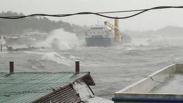 Dự báo bão Surigae suy yếu, Philippines vẫn sơ tán hơn 68.000 người - Ảnh 3.