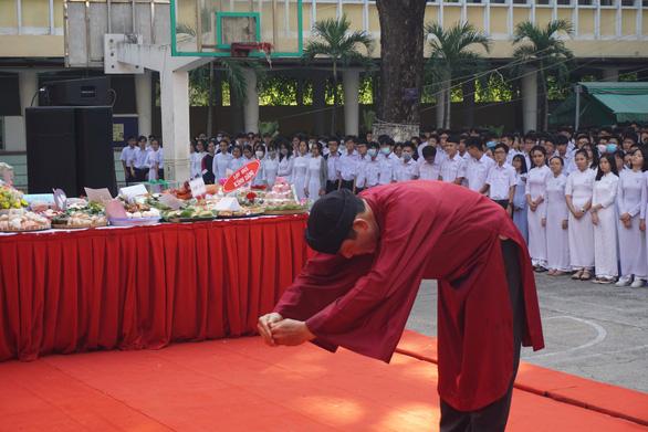 Nhiều trường tổ chức giỗ Tổ Hùng Vương để học sinh tìm hiểu cội nguồn - Ảnh 2.