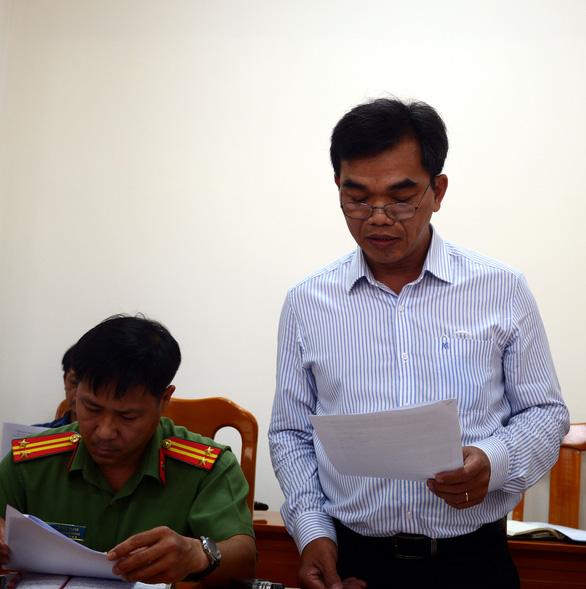 Ông Dũng lò vôi đòi trả giấy khen, Bình Thuận nói không rảnh để đôi co - Ảnh 2.