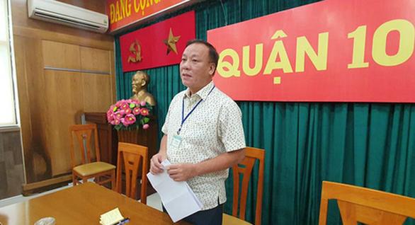 Công an vào cuộc điều tra vụ bảo vệ dân phố đánh 2 thiếu niên ở trường Nguyễn Văn Tố - Ảnh 1.