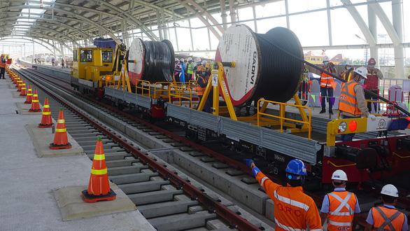 Metro số 1: Gối cao su rớt hỏng cả đường ray, 5 tháng tổng thầu vẫn làm ngơ nguyên nhân - Ảnh 1.