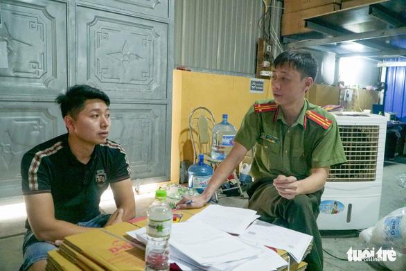 Xưởng nhỏ ở Hà Nội cho ra lò toàn nước giặt Thái Lan - Ảnh 2.