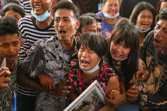 Hội đồng Bảo an Liên Hiệp Quốc: Lên án mạnh mẽ bạo lực ở Myanmar - Ảnh 1.