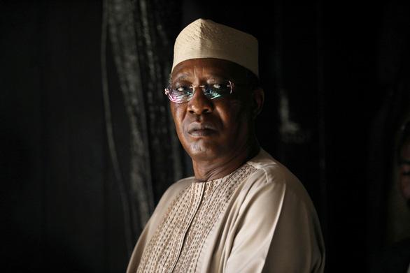 Mới tái đắc cử 1 ngày, tổng thống Chad tử trận ngay trận tiền - Ảnh 1.