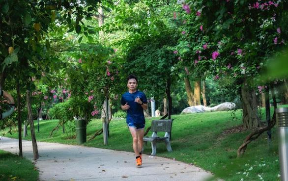 Cung đường chạy marathon đẹp như mơ tại Ecopark - Ảnh 13.