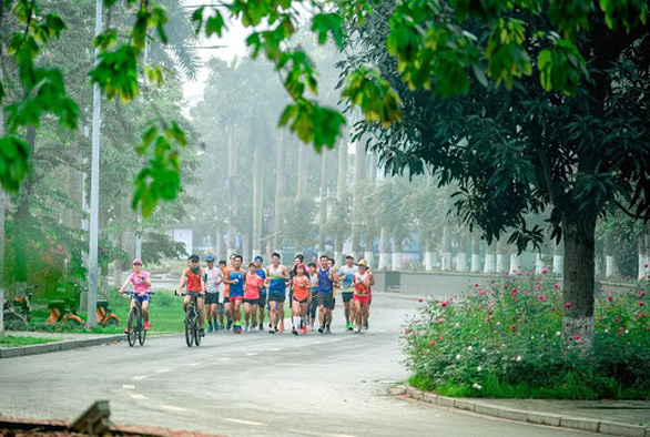Cung đường chạy marathon đẹp như mơ tại Ecopark - Ảnh 6.