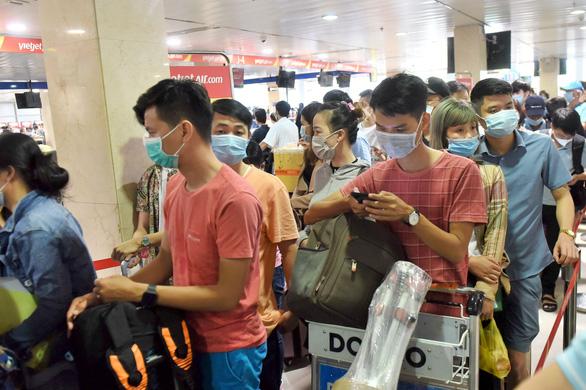 Ùn tắc trầm trọng ở sân bay Tân Sơn Nhất (TP.HCM): Chỉnh đốn lãnh đạo sân bay - Ảnh 1.