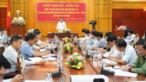 Ông Trần Cẩm Tú: Chú trọng phòng dịch COVID-19 trong bầu cử tại khu vực biên giới - Ảnh 1.