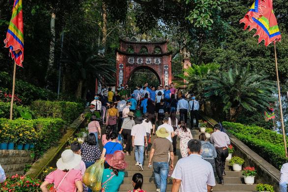 GS Lê Văn Lan: Thời đại Vua Hùng là có thật - Ảnh 1.