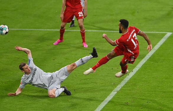 Thắng dễ Leverkusen, Bayern chạm một tay vào đĩa bạc - Ảnh 1.