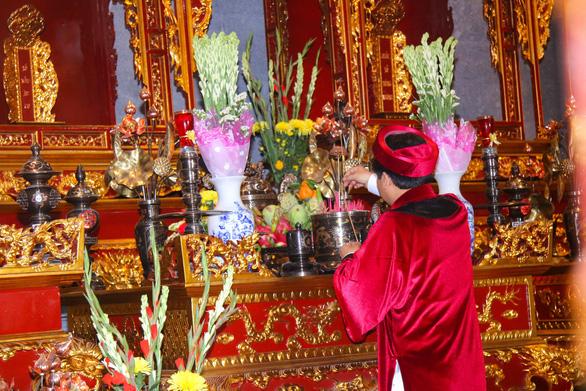 Lần đầu tổ chức lễ dâng hương tại đền thờ Vua Hùng Cần Thơ - Ảnh 1.